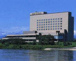 ホテルシティプラザ北上の外観