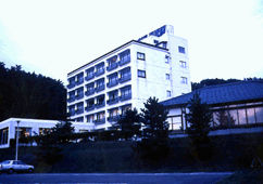 ホテル満光園の外観