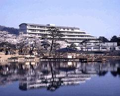 櫟平ホテルの外観
