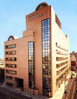 市川グランドホテルの外観