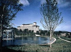 オークラアカデミアパークホテルの外観