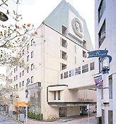 ホテルコンチネンタルの外観