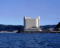 ホテルサンハトヤの外観