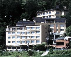 ホテル美富士園の外観