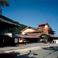 緑霞山宿藤井荘の外観