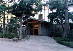 上林ホテル 仙壽閣の外観