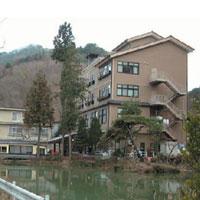 かわせみの宿 別所観光ホテルの外観