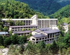 蓼科グランドホテル滝の湯の外観