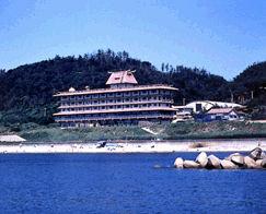 瀬波ビューホテルの外観