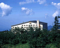 弥陀ケ原ホテルの外観