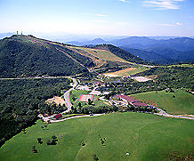 休暇村 茶臼山高原の外観