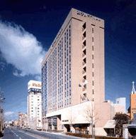 ホテルサンルートプラザ名古屋の外観