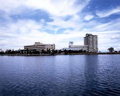 琵琶湖グランドホテルの外観