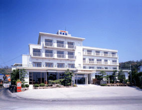 ビーチサイドホテル鹿島荘の外観