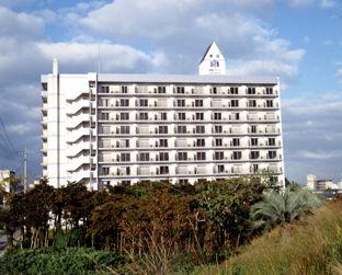 原鶴グランドスカイホテルの外観