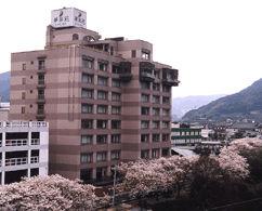 ホテル華翠苑の外観