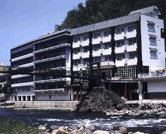 天ヶ瀬観光ホテル成天閣の外観