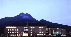 ゆふいんホテル 秀峰館の外観