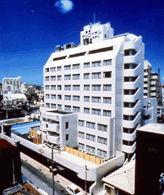 琉球サンロイヤルホテルの外観