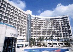 ロワジールホテル那覇の外観